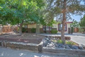 9004 ALEXIS Avenue SW, Albuquerque, NM 87121