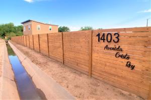 1403 AVENIDA CRISTO REY NW, Albuquerque, NM 87107