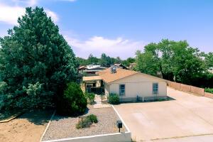 6524 RUTH Avenue NE, Albuquerque, NM 87109