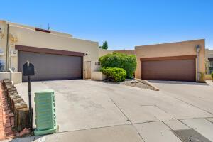 1713 MIRACERROS Place NE, Albuquerque, NM 87106