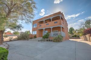 6809 TAMARISK Place NW, Albuquerque, NM 87120