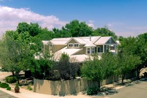 1539 Phoenix Avenue NW, Albuquerque, NM 87107
