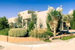 5500 Costa Uerde Road NW, Albuquerque, NM 87120