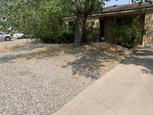 136 CONCHAS Street NE, Albuquerque, NM 87123