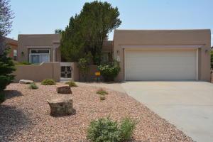 12812 DESERT SKY Avenue NE, Albuquerque, NM 87111