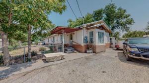 6032 Isleta Boulevard SW, Albuquerque, NM 87105