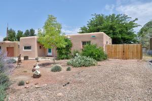 1732 RICHMOND Drive NE, Albuquerque, NM 87106