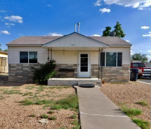 928 LA LUZ Drive NW, Albuquerque, NM 87107