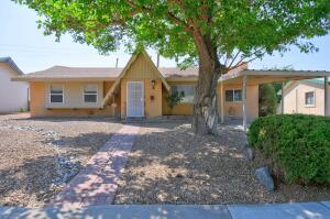 10604 Marble Place NE, Albuquerque, NM 87112