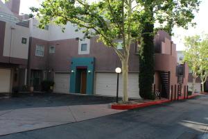 5149 Glenwood Pointe Lane NE, Albuquerque, NM 87111