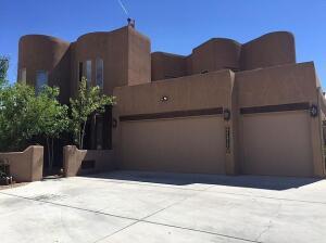 7215 DESERT SUN Road NE, Albuquerque, NM 87113