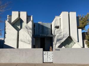 7425 MAPLEWOOD Drive NW, Albuquerque, NM 87120