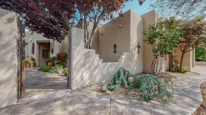 1638 RANCHO GUADALUPE Trail NW, Albuquerque, NM 87107