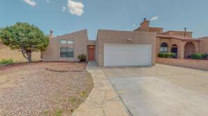 5608 Blue Pine Avenue NW, Albuquerque, NM 87120