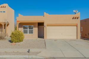 5609 SATURNIA Road NW, Albuquerque, NM 87114