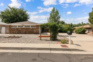 6504 BAKER Avenue NE, Albuquerque, NM 87109