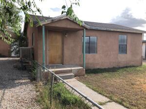 302 Mullen Road NW, Albuquerque, NM 87107
