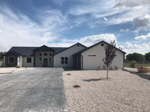 2508 Lakeview Road SW, Albuquerque, NM 87105