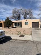 2133 ETON Avenue SE, Albuquerque, NM 87106