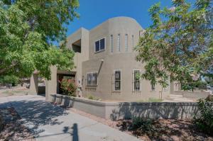 315 11TH Street SW, Albuquerque, NM 87102