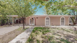 1015 NASHVILLE Avenue SW, Albuquerque, NM 87105