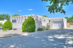 10313 QUARAI Avenue NE, Albuquerque, NM 87111