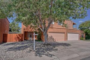 821 HOPE Place NE, Albuquerque, NM 87123