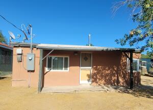 2916 3RD Street NW, Albuquerque, NM 87107