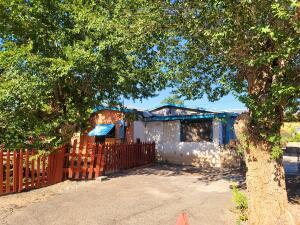 2910 3RD Street NW, Albuquerque, NM 87107