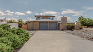 1732 LUTHY Drive NE, Albuquerque, NM 87112
