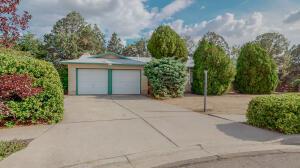 3304 Black Hills Court NE, Albuquerque, NM 87111