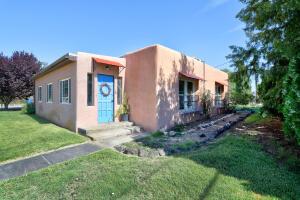 568 CORTEZ Street SE, Los Lunas, NM 87031