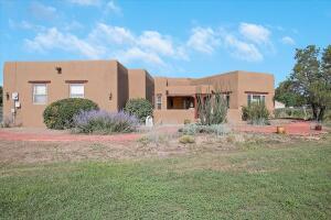 20 VALLE LINDO Court, Peralta, NM 87042