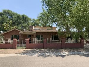 1301 Mora Place SW, Albuquerque, NM 87105