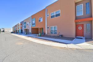 4204 Vida Verde Lane NE, Albuquerque, NM 87109