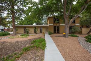 8101 HARWOOD Avenue NE, Albuquerque, NM 87110