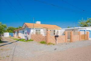 115 48TH Street SW, Albuquerque, NM 87105
