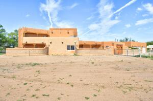 1434 TIERRA VERDE Place SW, Albuquerque, NM 87105