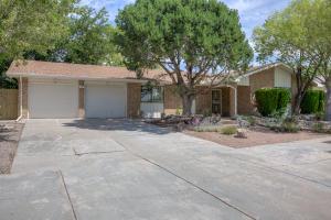 9509 LAYTON Avenue NE, Albuquerque, NM 87111