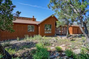 35 Calyx Lane, Cedar Crest, NM 87008