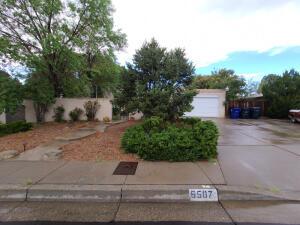 6507 LOFTUS Avenue NE, Albuquerque, NM 87109