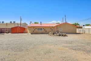 714 Bear Canyon Lane NE, Albuquerque, NM 87113