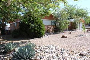 8325 LA CAMILA Road NE, Albuquerque, NM 87110