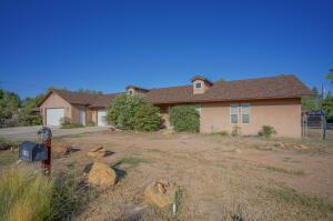 9815 ELDRIDGE Road NW, Albuquerque, NM 87114