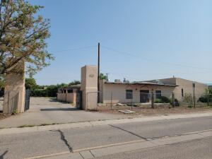 3301 MOUNTAIN Road NW, Albuquerque, NM 87104