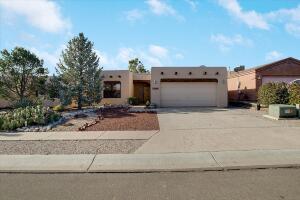 7508 CERROS Place NW, Albuquerque, NM 87114
