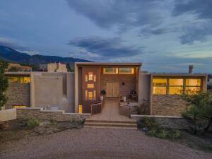 88 Juniper Hill Place NE, Albuquerque, NM 87122