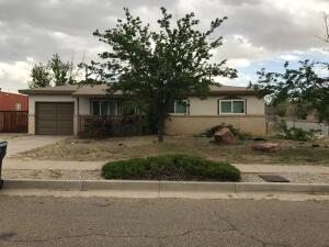 504 TOMASITA Street NE, Albuquerque, NM 87123