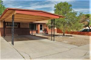 2829 MADEIRA Drive NE, Albuquerque, NM 87110