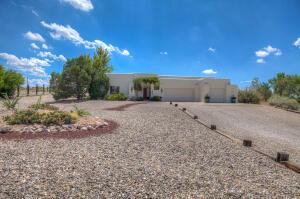 9300 OAKLAND Avenue NE, Albuquerque, NM 87122